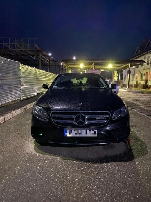Викрадене в Австрії авто знайшлося на Закарпатті