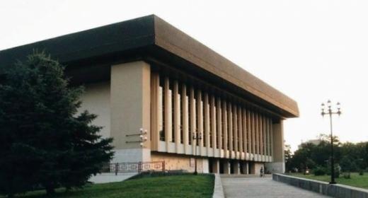 В Ужгороді презентували відреставровану велику сцену драмтеатру (ВІДЕО)