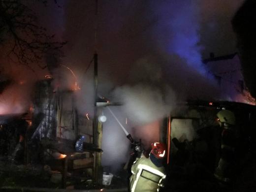 В Ужгороді минулої доби горіли два гаражі