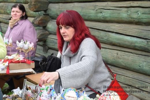 Писанкове дерево зустрічає відвідувачів ужгородського скансену: фото