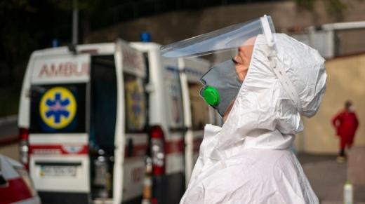 На Закарпатті за минулу добу виявлено 87 випадків COVID-19, 1 людина померла