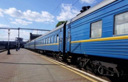 На тревневі свята кількість поїздів на Закарпаття збільшать