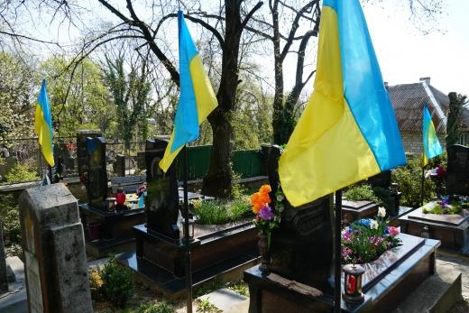 В Ужгороді наводять лад на Пагорбі Слави