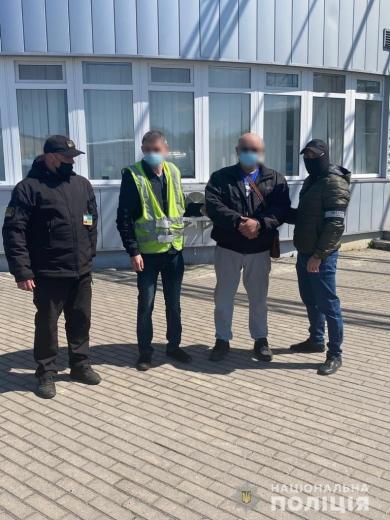 На Закарпатті поліцейські затримали іноземця, що перебував у міжнародному розшуку