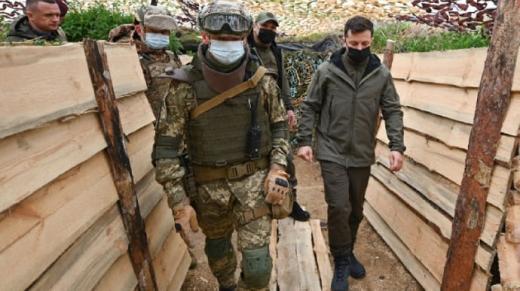Зеленський побував на передовій з окупованим Кримом