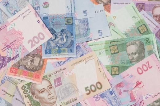 Гривня на закритті міжбанку зміцнилась до долара