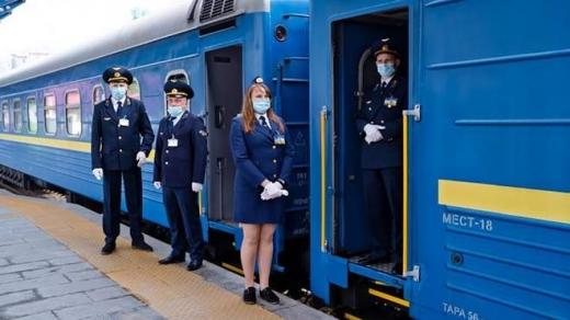 Укрзалізниця додала рейс та вагони на найпопулярніші потяги, зокрема й до Ужгорода