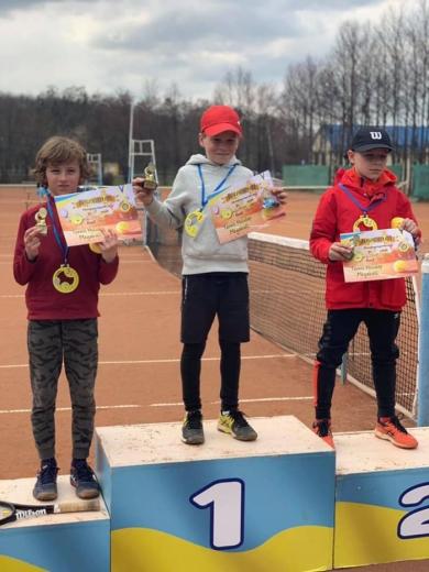 Юний мукачівець посів призове місце на всеукраїнських змаганнях з великого тенісу