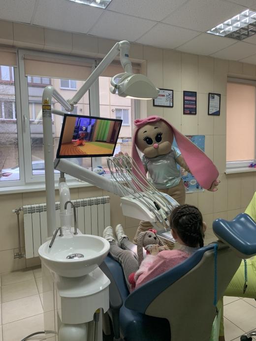 Перший візит до стоматолога: 13 порад для батьків, щоб не злякати малюка