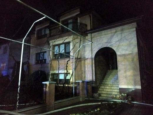 У селі на Мукачівщині горіли два будинки, в пожежі загинула людина