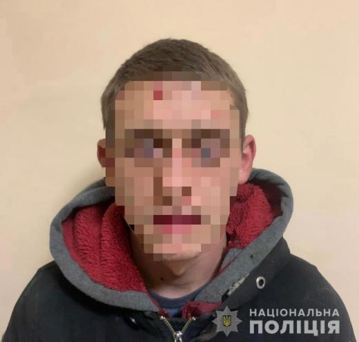 У Виноградові 22-річний чоловік вкрав автівку з СТО