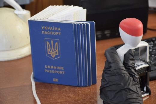 Українець намагався перетнути кордон з підробленим ПЛР-тестом