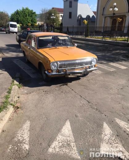 В Мукачеві на пішохідному переході збили неповнолітню дівчину