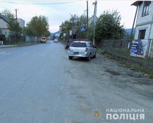 На Хустщині збили хлопчика-велосипедиста: дитина у лікарні