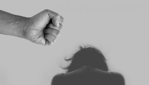 На Хустщині засуджено домашнього насильника: подробиці