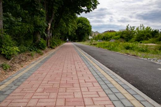 Завершено асфальтування велосипедної доріжки на Слов'янській набережній