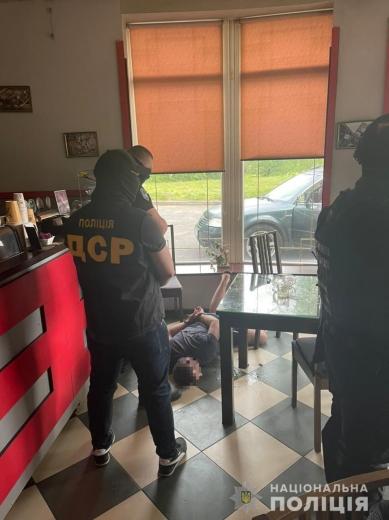 На Закарпатті припинили злочинну діяльність кримінального «авторитета»