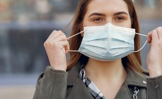 Епідеміолог розказала, чи можуть українці припинити носити маски