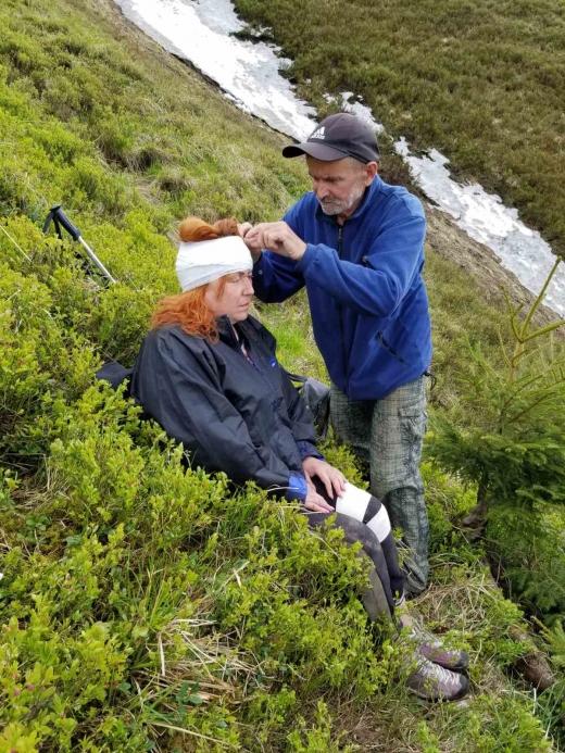 Закарпатські рятувальники шукали та надавали допомогу туристам у горах