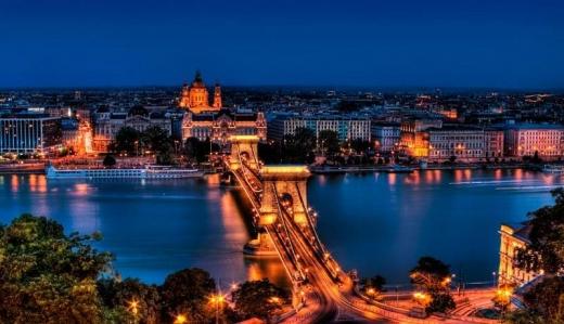 Україна і Угорщина домовляються про спрощення поїздок у туристичний сезон