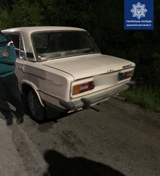 На Закарпатті патрульні виявили нетверезого керманича, якого суд позбавив права керування автомобілем