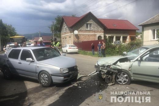 На Мукачівщині внаслідок ДТП травмувалось четверо осіб: подробиці