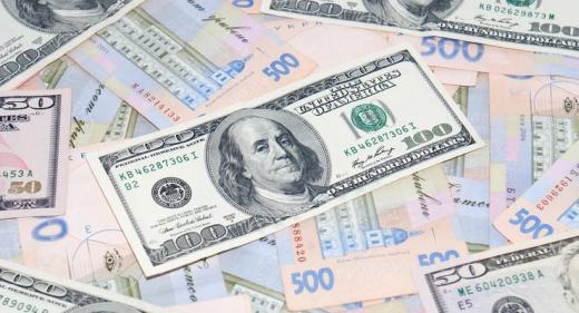 Після двотижневого падіння долар в обмінниках почав зростати