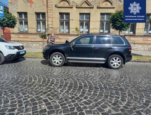 Мукачівські патрульні розшукали водія, який вчинив ДТП і залишив місце пригоди