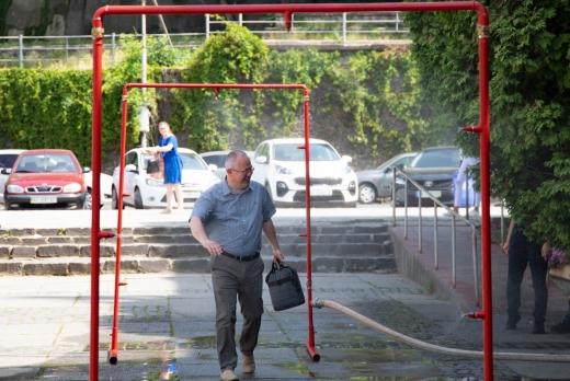 Охолоджувальна рамка на площі Поштовій працюватиме раніше