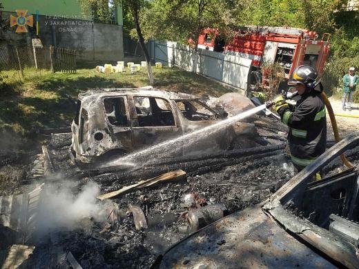 За добу на Закарпатті від вогню постраждали чотири транспортні засоби