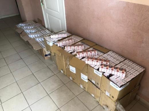 Вночі поблизу кордону з Угорщиною виявили контрабандні цигарки