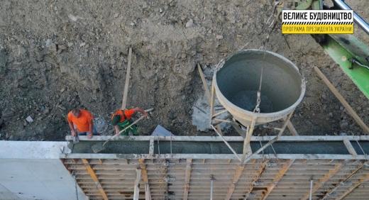 Будівництво однієї з найдовших підпірних стінок Закарпаття – на стадії завершення