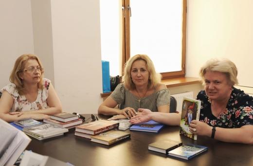 Які видання допустили до участі в конкурсі на здобуття міської премії імені Петра Скунця