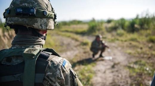 На Донбасі знову поранили українського військового
