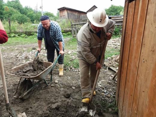 Ліквідація наслідків паводку на Рахівщині: подробиці