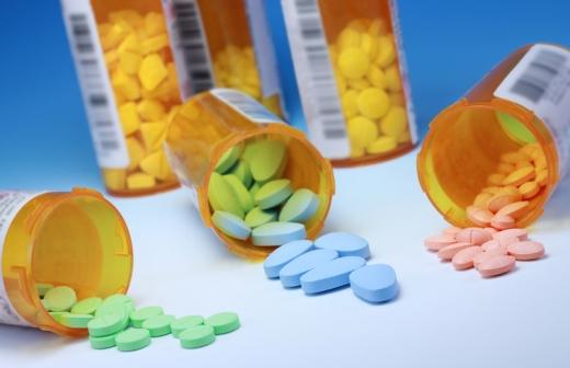 Рада заборонила продаж лікарських засобів неповнолітнім