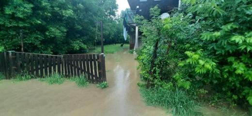 На Закарпатті через значні опади підтоплені дворогосподарства