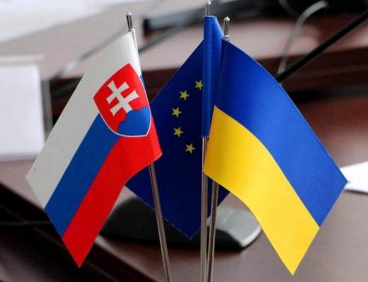 Словаччина скасувала обмеження роботи всіх пунктів пропуску на кордоні з Україною