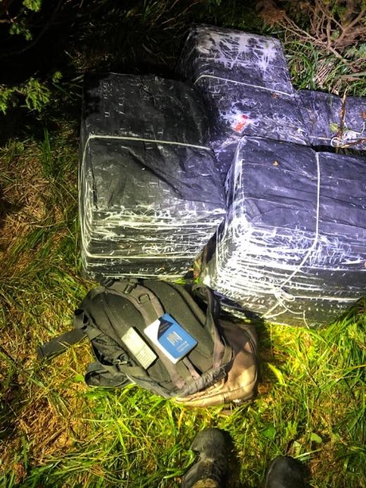 Вночі прикордонники завадили черговій спробі тютюнової контрабанди