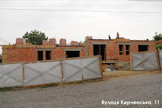 Ужгородська міська рада подала позов до суду про знесення самовільного будівництва