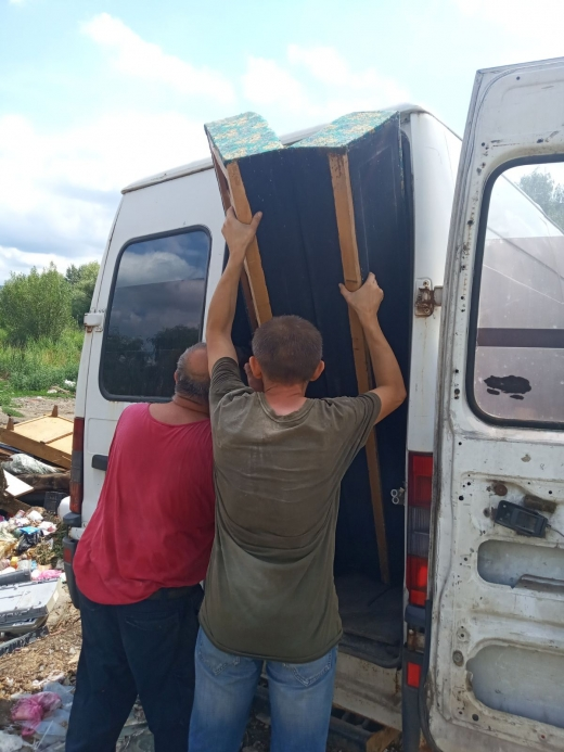 В Ужгороді склали протоколи за викидання сміття та утворення стихійних сміттєзвалищ