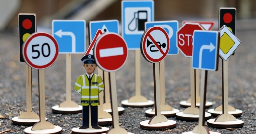 З 1 листопада в Україні починають діяти нові дорожні знаки