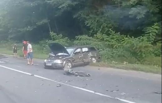Моторошна аварія на Мукачівщині: не розминулися три легковики та вантажівка