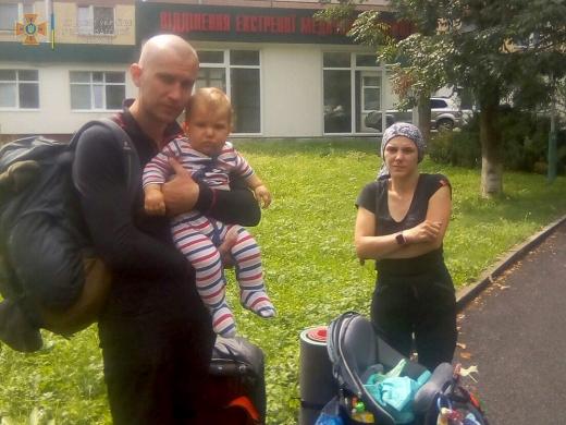 В Карпатах заблукало подружжя туристів з немовлям: подробиці