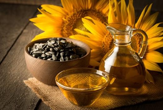 У Кабміні анонсували значне зниження цін на соняшникову олію й назвали терміни