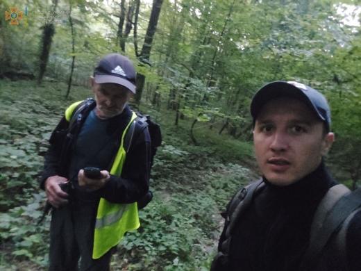 Гірські рятувальники відшукали в лісі 83-річного грибаря