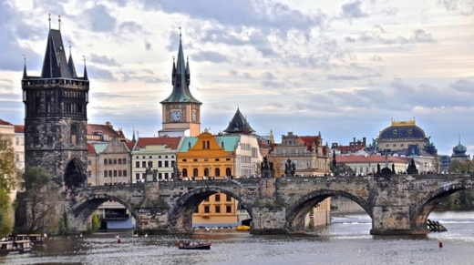 Чехія відкрилася для вакцинованих туристів з України