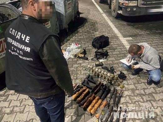 В Мукачеві затримали організатора каналу постачання зброї