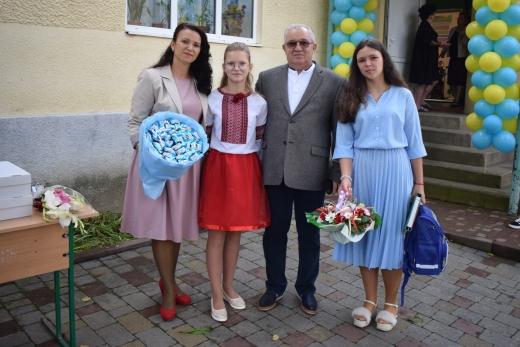 113 школярів села Пацканьово зустріли новий навчальний рік у новому статусі
