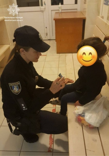 В Мукачеві виявили малолітню дитину без супроводу дорослих: деталі